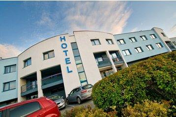 Hotel 1383 Senec