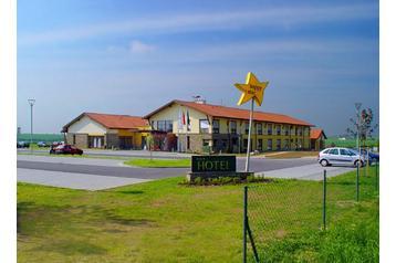 Hotel 4639 Hnanice