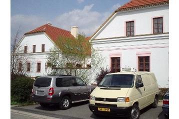 Hotel 5891 Průhonice