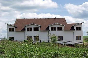 Hotel 7085 Rakovica