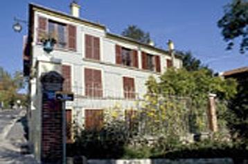 Hotel 8029 Paris