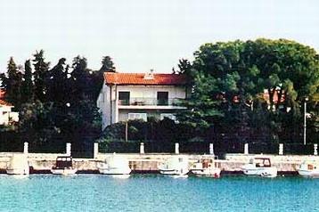Privát 8830 Zadar