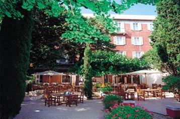Hotel 8859 Nîmes