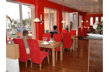 Hotel 10019 Gyenesdiás Gyenesdiás - Pensionhotel - Hotely