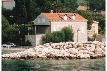 Szállás családi házban a tengerpart mellett,10573
