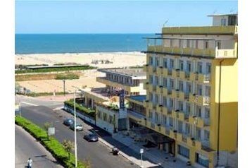 Hotel 10781 Sottomarina - Pensionhotel - Hotels