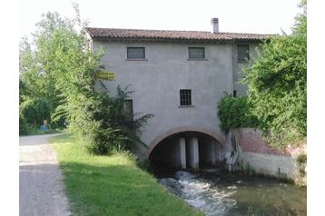 Penzion 11225 Mantova