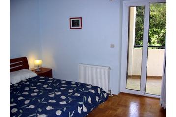 Apartmanház 11598