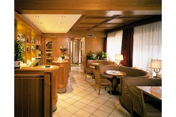 Hotel 13345 Campitello di Fassa: hotels Campitello di Fassa - Pensionhotel - Hotels