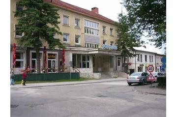 Hotel 13388 Handlová