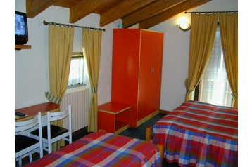 Hotel 13431 Tovo di Sant Agata Tovo di Sant Agata - Pensionhotel - Hotely