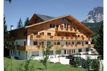 Hotel 13441 La Villa