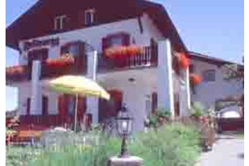 Pension 13522 Tisens: pension in Tisens - Pensionhotel - Guesthouses