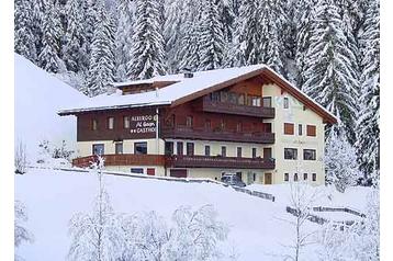 Pension 13530 Wengen: pension in Wengen - Pensionhotel - Guesthouses