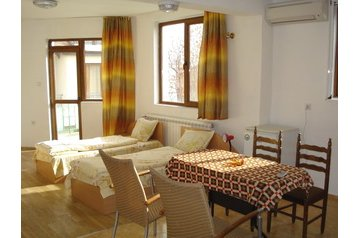 Pension 13804 Černomorec: pension in Chernomoretz - Pensionhotel - Guesthouses