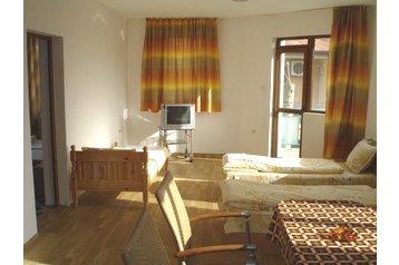 Pension 13804 Černomorec: pension in Chernomoretz - Pensionhotel - Guesthouses