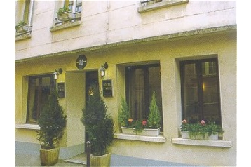 Hotel 14660 Paris