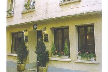 Hotel 14660 Paris