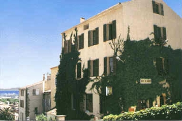 Hotel 15704 Hyères