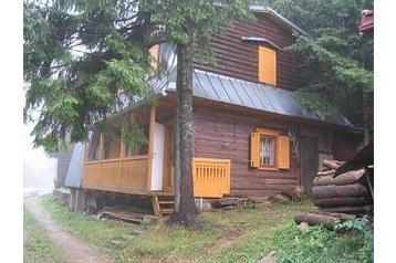 Chata 15923 Čertovica Chata v chatovej osade. Záhradné posedenie ...