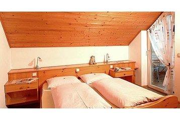 Hotel 16448 Cortaccia: hotels Cortaccia - Pensionhotel - Hotels