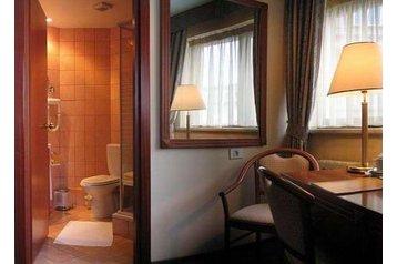 Hotel 16998 Bucureşti: Accommodatie in hotels Boekarest - Hotels