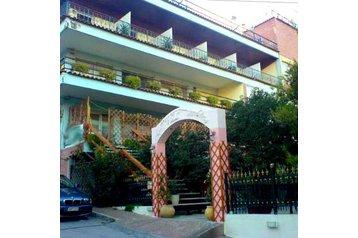 Hotel 18027 Vári