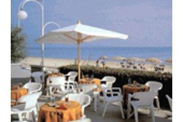 Hotel 18675 Marotta