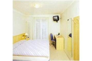 Hotel 18880 Losone: hotels Losone - Pensionhotel - Hotels