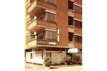 Hotel 18961 Paradiso