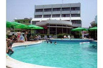 Hotel 19983 Golem