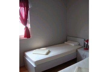 Apartmanház 22788