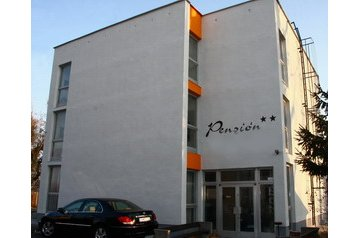 Slovensko Penzión Patince, Patince, Exteriér