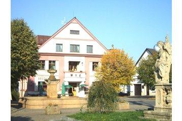Tschechien Hotel Pecka, Exterieur