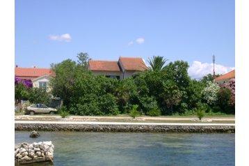 Kroatien Byt Privlaka, Exterieur