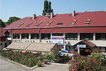 Ungarn Hotel Balatonakarattya, Exterieur
