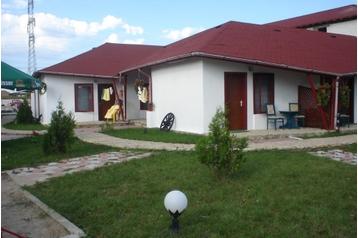 România Bungalov Costineşti, Exteriorul