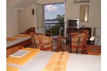 Čierna Hora Hotel Baošići, Interiér