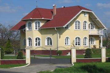 Maďarsko Privát Gyömrő, Exteriér