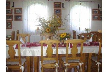 Slovakia Penzión Vyhne, Exterior