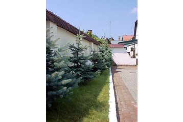 Ukraina Hotel Użhorod / Užhorod, Zewnątrz