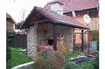 Slovensko Chata Senec, Exteriér