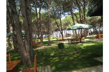 Albania Hotel Golem, Esterno