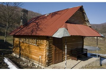 Ukraine Chata Kňahyňa, Exterior