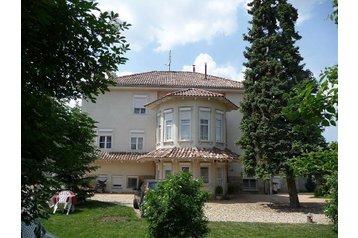 Węgry Penzión Hajdúszoboszló, Zewnątrz