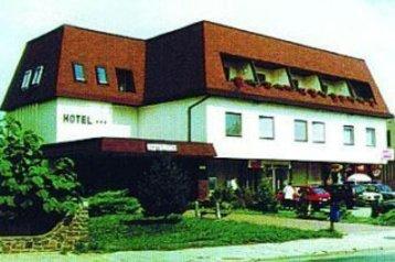 Cehia Hotel Jedovnice, Exteriorul