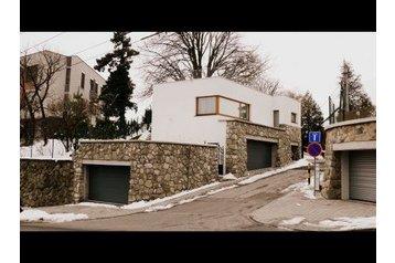 Slovensko Byt Bratislava, Exteriér