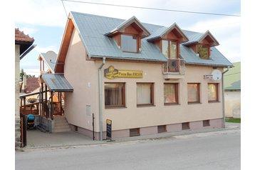Slovensko Penzión Sklené, Exteriér