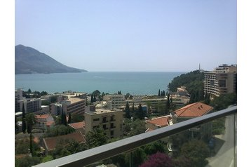 Čierna Hora Byt Budva, Exteriér