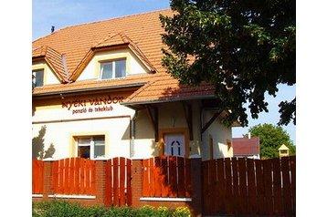 Maďarsko Penzión Kápolnásnyék, Exteriér